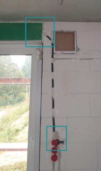 Leerrohr und Steckdose als Vorbereitung für elektrische Rolläden